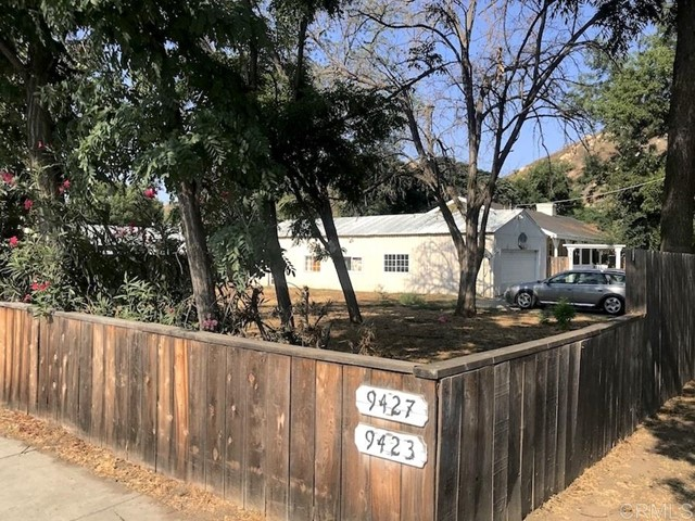 9427 Los Coches Rd, Lakeside, CA 92040