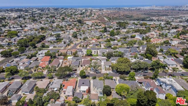 43. 8104 Gonzaga Avenue Los Angeles, CA 90045