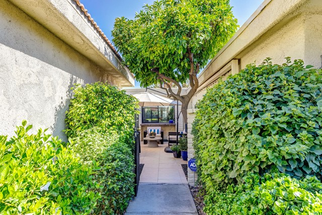 8. 2376 Oakcrest Drive Palm Springs, CA 92264