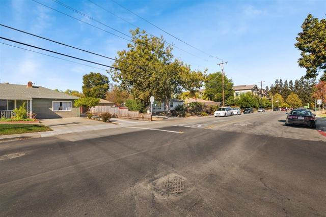 Image 11 of 945 Thornton Way, San Jose, CA 95128