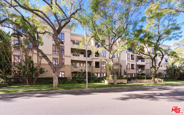 Photo of 411 N Oakhurst Drive #305, Beverly Hills, CA 90210
