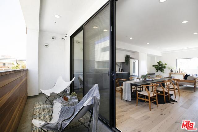864 S Wilton Place, Los Angeles, CA 90005