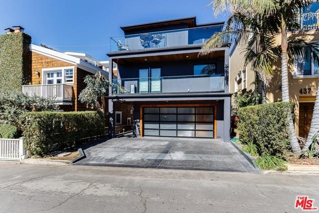 433 27TH Street, Manhattan Beach, California 90266, 4 Bedrooms Bedrooms, ,3 BathroomsBathrooms,For Rent,27TH,19526356