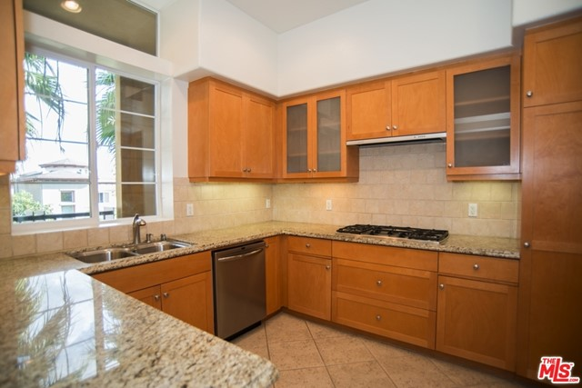 5831 Seawalk Dr, Playa Vista, CA 90094 Photo 3