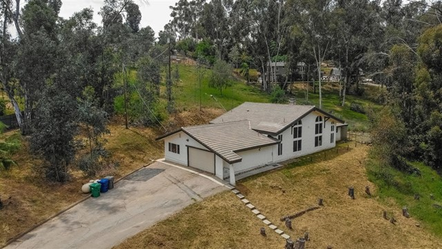 11612 Johnson Lake Road, Lakeside, CA 92040