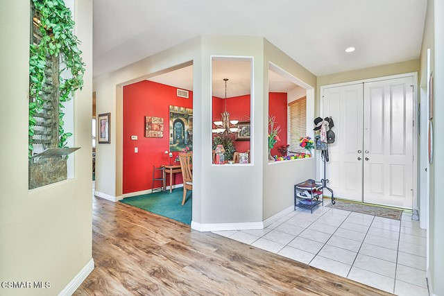 9. 215 Southcrest Place Simi Valley, CA 93065
