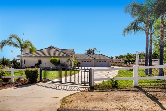 30363 Crescent Moon Dr, Valley Center, CA 92082
