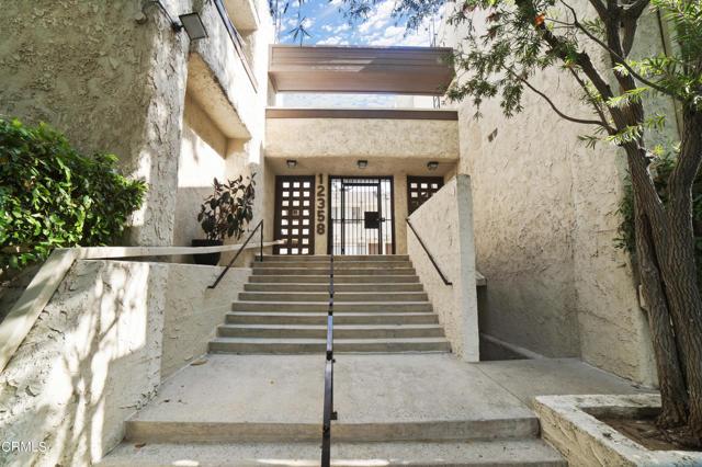 12358 Moorpark Street 10, Studio City, CA 91604