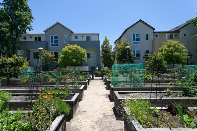 32. 2840 Saratoga Drive #1A San Mateo, CA 94403