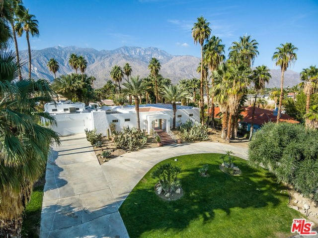 2255 S ARABY Drive, Palm Springs, CA 92264