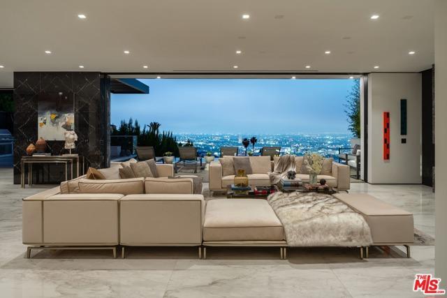 15. 9410 Sierra Mar Place Los Angeles, CA 90069