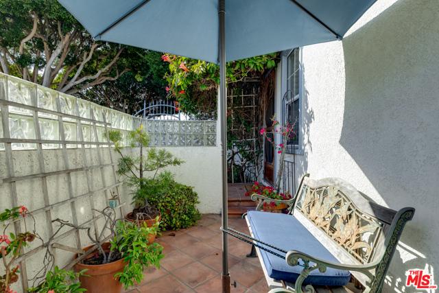 2134 Oak St, Santa Monica, CA 90405 Photo 32