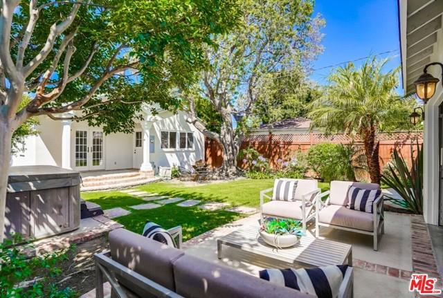 29. 1724 S Carmelina Avenue Los Angeles, CA 90025