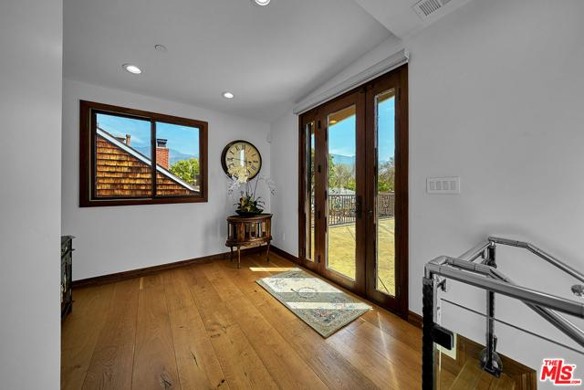 34. 370 Mercedes Avenue Pasadena, CA 91107
