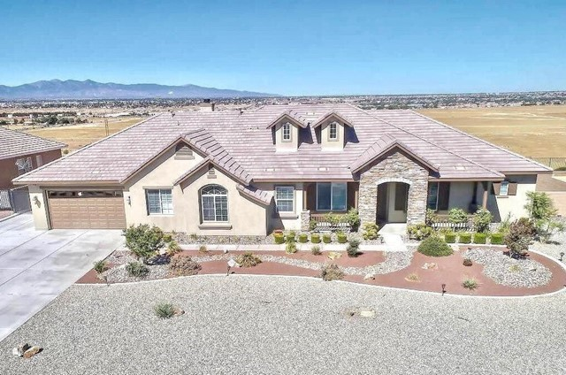 12316 Macintosh Street, Apple Valley, CA 92308