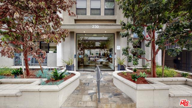 Photo of 230 S Jackson Street #306, Glendale, CA 91205