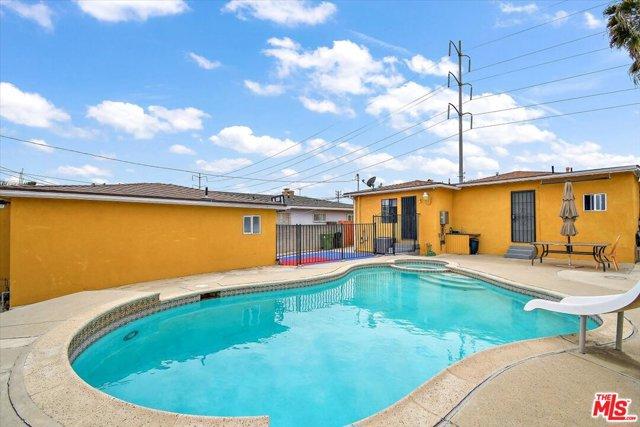 23. 6002 S La Cienega Boulevard Los Angeles, CA 90056
