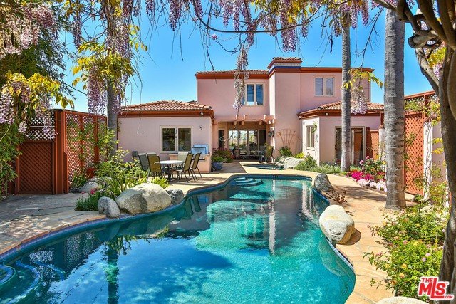 905 BERKELEY Street, Santa Monica, CA 90403