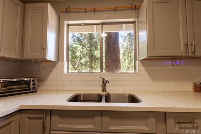 5965 Robin Oak Drive, Angelus Oaks, CA 92305 Photo 12