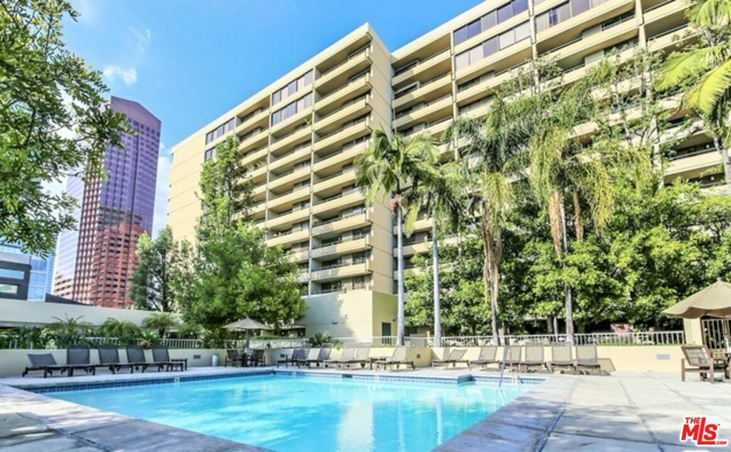 600 9Th Street, Los Angeles, California 90015, 2 Bedrooms Bedrooms, ,2 BathroomsBathrooms,Residential,Condominium,For Sale,9Th,21787414