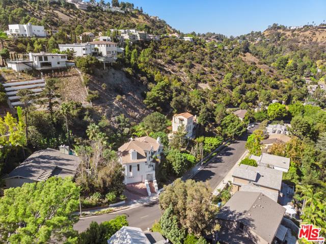 25. 2461 Jupiter Drive Los Angeles, CA 90046