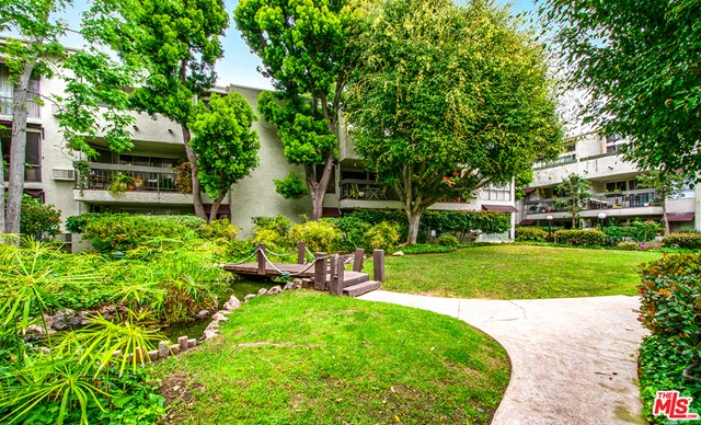 18. 4900 Overland Avenue #307 Culver City, CA 90230