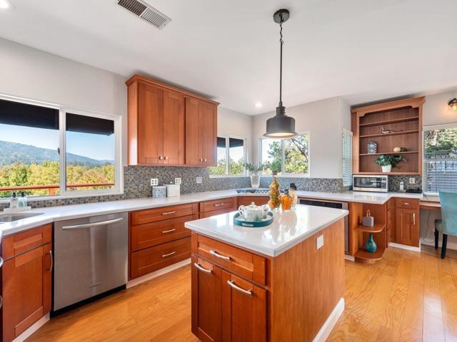 385 Bella Vista Avenue, Los Gatos, CA 95032