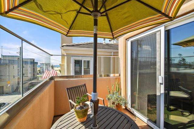 Balcony off dining room
