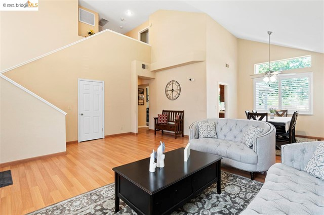 7. 619 Edenderry Dr Vacaville, CA 95688