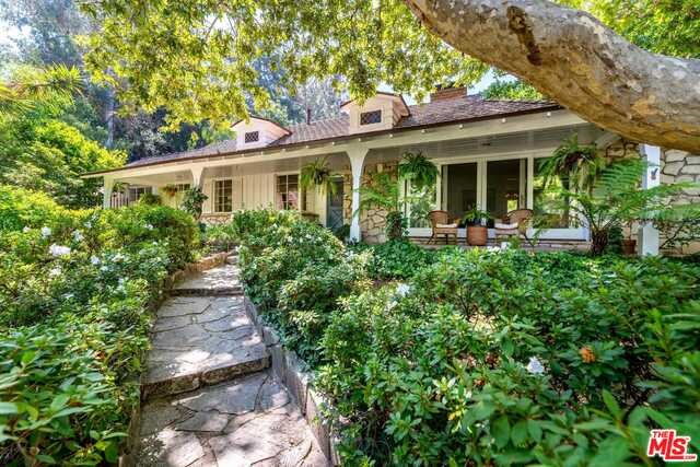 3142 BROOKDALE Road, Studio City, CA 91604