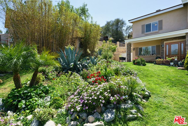 32. 3110 Foothill Drive Thousand Oaks, CA 91361