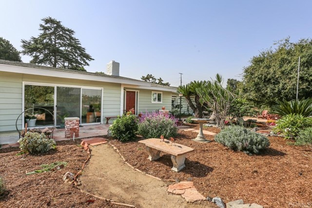 1130 Happy Hill Dr, Vista CA 92084