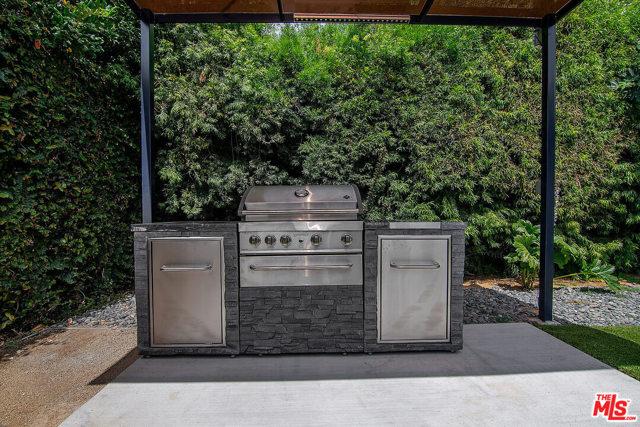 41. 4221 Greenbush Avenue Sherman Oaks, CA 91423