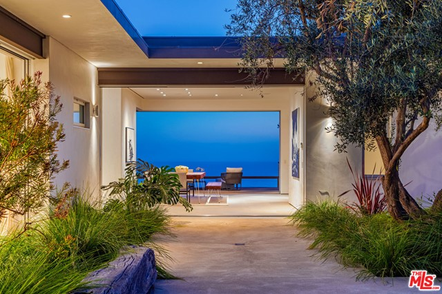 32554 Pacific Coast Highway, Malibu, CA 90265