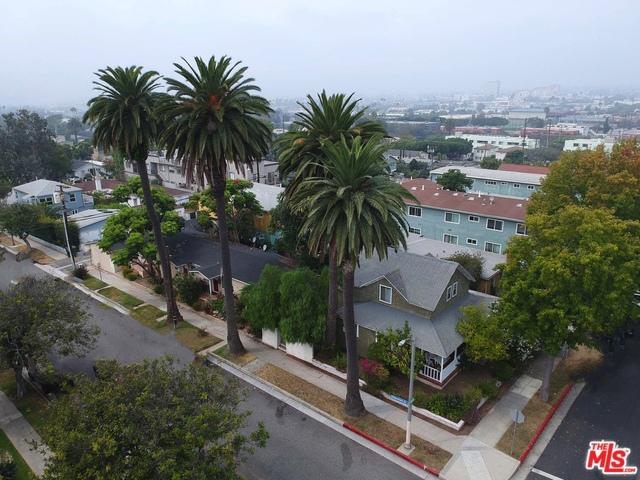 1821 DELAWARE Avenue, Santa Monica, CA 90404