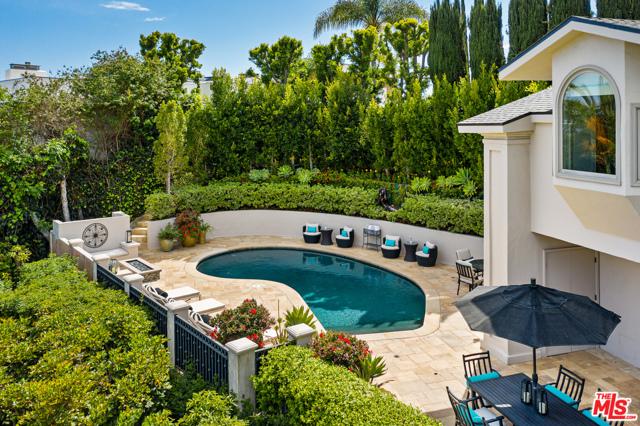 24. 1478 Stebbins Terrace Los Angeles, CA 90069