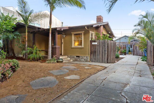 1034 BAY Street, Santa Monica, CA 90405