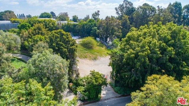112 Beverly Gln, Los Angeles, CA, 90077