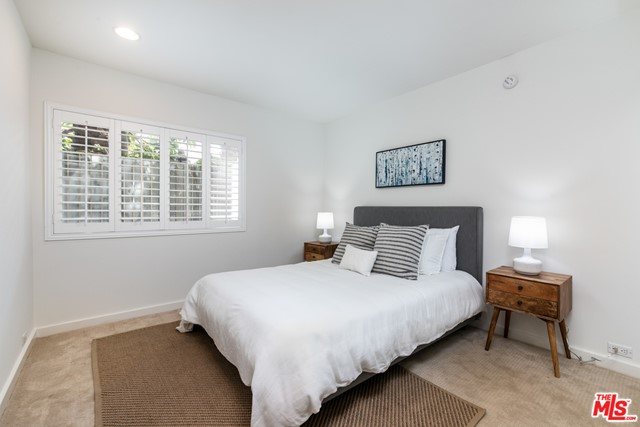15. 330 S Barrington Avenue #110 Los Angeles, CA 90049