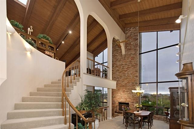 1258 Via Del Cerro, Vista, CA 92084
