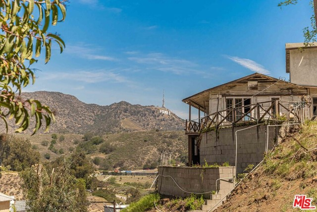 18. 6850 Cahuenga Park Trail Hollywood, CA 90068