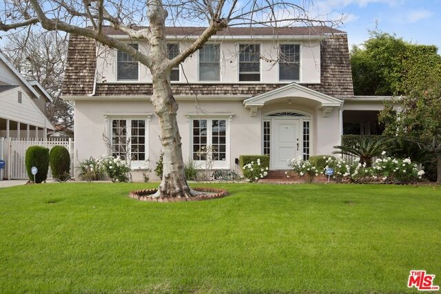 221 LUCERNE Boulevard, Los Angeles, California 90004, 4 Bedrooms Bedrooms, ,3 BathroomsBathrooms,For Sale,LUCERNE,18310130