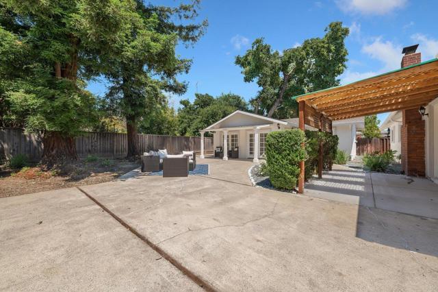 38. 881 Stonehurst Way Campbell, CA 95008