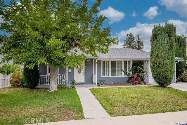 Photo of 4962 garden grove Avenue, Tarzana, CA 91356