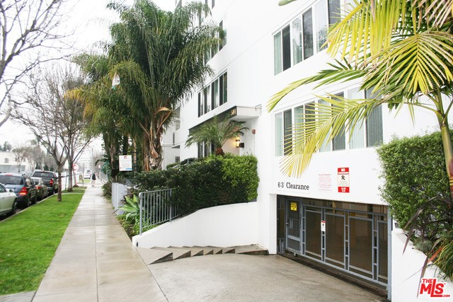 304 S ELM Drive 202, Beverly Hills, CA 90212