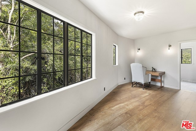 Image 41 of 3705 Lowry Rd, Los Angeles, CA 90027