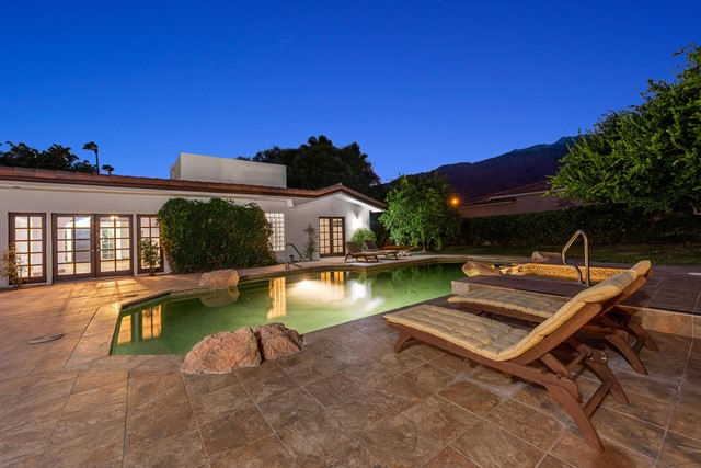 1044 Tamarisk Road, Palm Springs, CA 92262