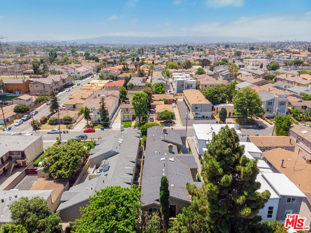 2417 CARNEGIE Lane B, Redondo Beach, California 90278, 4 Bedrooms Bedrooms, ,3 BathroomsBathrooms,For Sale,CARNEGIE,19491110