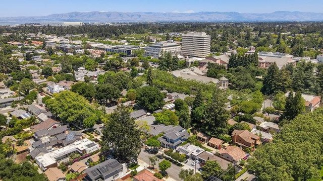 70. 575 Oak Street Mountain View, CA 94041