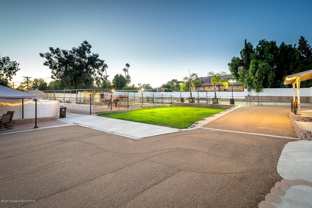 10635 Foothill Bl, Lakeview Terrace, CA 91342 Photo 40